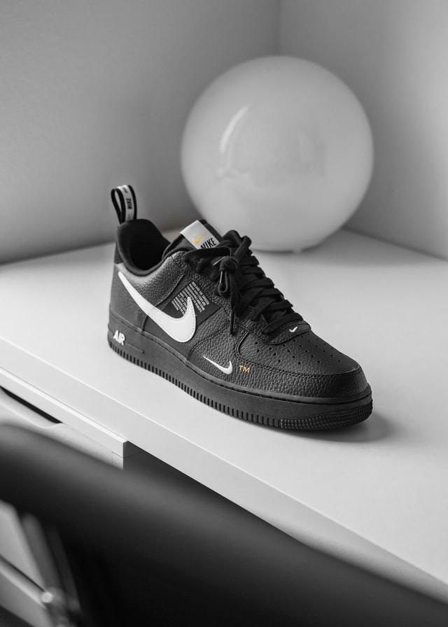 קניית נעליים אונליין
